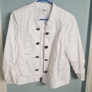 😍 Military-Inspired White Blazer 😍